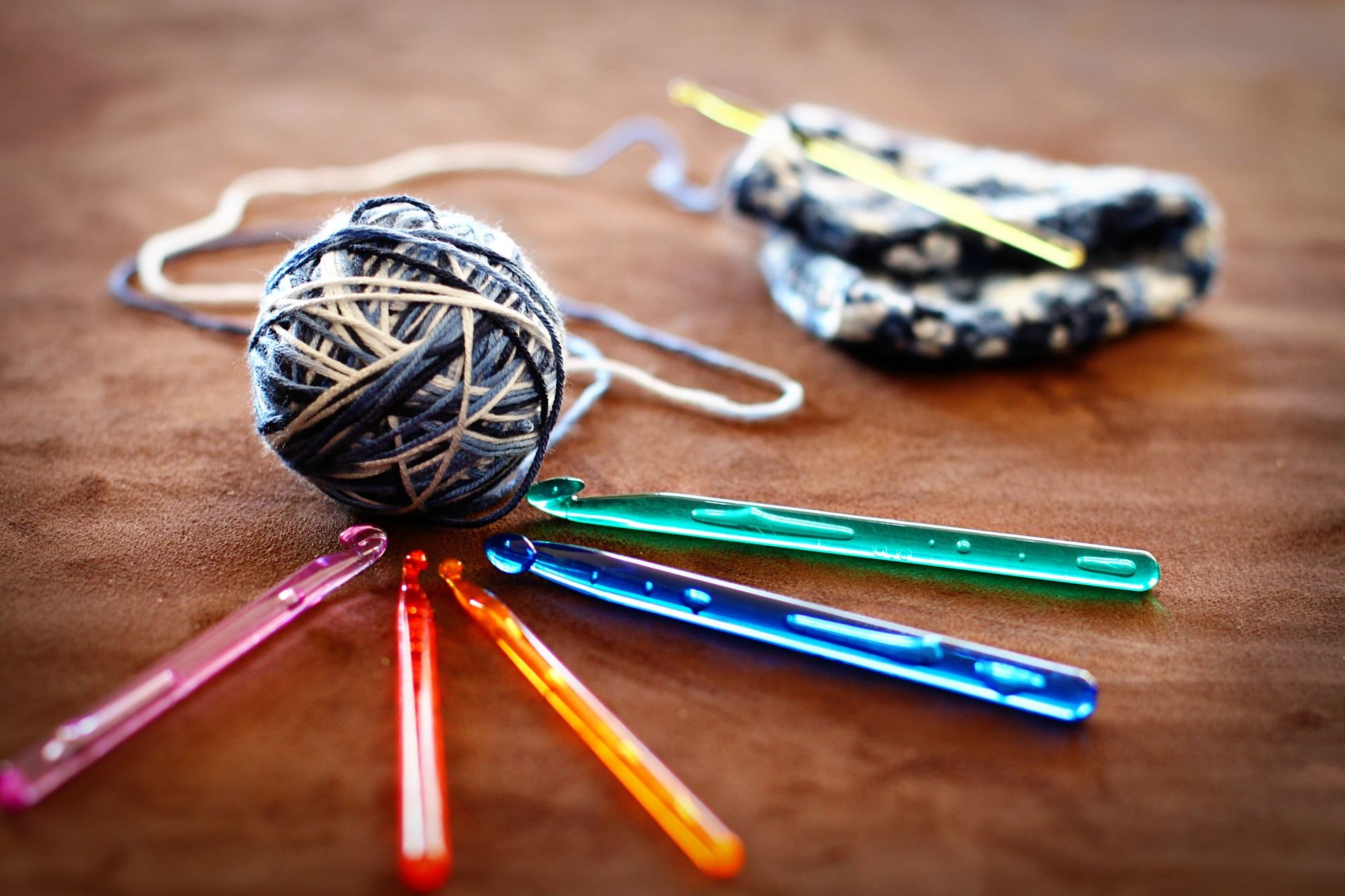 Yarn ball and crochet needles